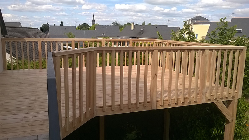 nouvelle pièce de vie à ciel ouvert, la terrasse bois et composite